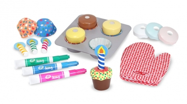 Melissa and Doug Bake & Decorate Cupcake Set