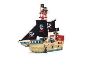 Le Toy Van Jolly Pirate Ship