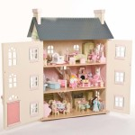 Win a Le Toy Van Dolls' House with WoodenToyShop.co.uk